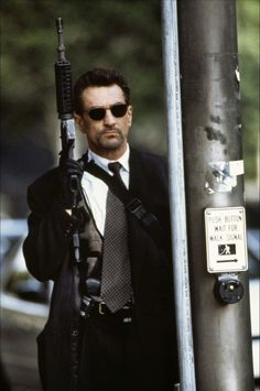 Robert De Niro in Michael Mann's Heat (1995)