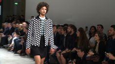 Raf Simons #FashionWeek de #Paris : Homme Printemps-Eté 2014 - #Fashion #Mode #Défilé #Catwalk #Outfits - More news here: www.parismodes.tv