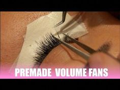 Stop watery eyes during eyelash extension application - An experiment Cluster Eyelashes, Russian Volume Lashes, Watery Eyes, Long Lashes, Eyelash Extensions, Other People, The Secret, Salons, Beauty Hacks