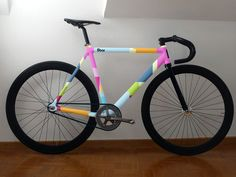 colored frame // la quiero (pero no fixie hehehe) Bmx, Motocross, Bicycle Paint Job, Bicycle Painting, Velo Design, Bicycle Design, Vtt Dirt, Fixed Gear Bikes, Bici Fixed