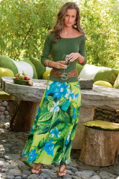 Tropical skirt and solid top. Luau Outfits, Cruise Outfits, Cruise Wear, Hippie Outfits, Cool Outfits, Summer Outfits, Cruise Clothes, Cruise Fashion, Long Maxi Skirts