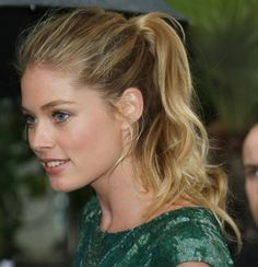 Doutzen Kroes cute and messy ponytail hair-and-beauty