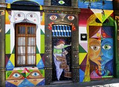 Nada mejor que las calles de una ciudad para contar sus historias #Santiago #SeeChile