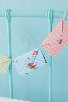 Heart envelopes for a love letter garland: free printable template