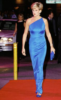 Gianni Versace's most iconic dresses and catwalk looks – from Princess Diana's LBD to Liz Hurley's safety pin number Princess Diana Dresses, Princess Diana Death, Princess Diana Fashion, Princess Of Wales, Gianni Versace, Rihanna, Vestidos Versace, Best Gowns, Iconic Dresses