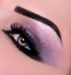 Lavender Eyeshadow + Black Eyeliner