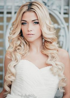 Stillvolle Brautfrisur-Curlies ideen für lange Haare-offen