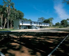 Caretinho (residencia temporária do presidente Juscelino Kubitschek), en Brasilia, 1956. Arq. Oscar Niemeyer. Foto: Alan Weintraub.