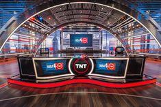 Set that debuted on October 29 for the 2015 NBA season. Located in Studio J, . Tv Set Design, Stage Set Design, Plateau Tv, Inside The Nba, Simple Cafe, Studio Setup, Studio Design, Virtual Studio, Reception Counter