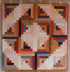 Log cabin quilt ... beautiful color placement