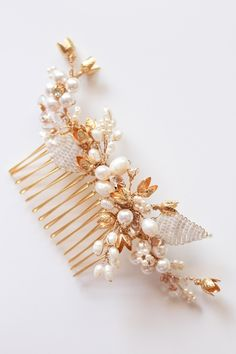 Gold bridal hair pieces <3<3