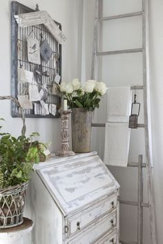 Burlap Luxe: Living With The Beauty Of Rustic, love the tag art gate