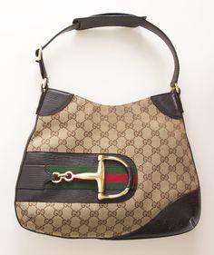 Gucci Handbags Collection & more details Gucci Purses, Gucci Handbags, Fashion Handbags, Purses And Handbags, Fashion Bags, Unique Handbags, Gucci Bags, Fashion Trends, Zapatillas Louis Vuitton