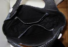.................men väskan är svart Fick den här fix och färdig i Trettondagshelgen, men har inte kommit mej för att ta några foton fö...