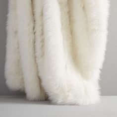 White Faux Fur Brushed Tips Throw Elegant Home Decor, Elegant Homes, Fall Home Decor, Autumn Home, White Faux Fur Throw, Knitted Throws, Bedding Shop, Velvet Pillows, Velvet Duvet