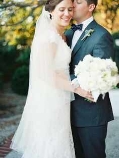 Sweet Photo of the Bride and Groom #fallwedding