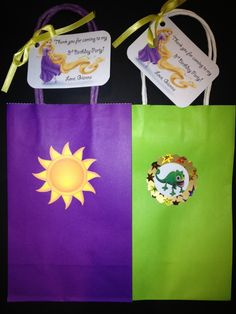 This listing is for Personalized Tangled Rapunzel and/or Pascual Goodie Gift Bags (set of 10). You can choose if you want only Rapunzel, only Pascual, or a combo of both. Thank you tags are included and attached with ribbon.They can be personalized with any message you would like. Make your party complete!! Other quantities and sizes are also available, as well as other designs. Please convo me with questions of for details. :) Check out the matching items in my shop! You can make y...