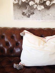 IKEA Hack: How to Make a Moroccan Style Pillow from Dishtowels Moroccan Decor, Moroccan Style, Moroccan Bedding, Diy Pillows, Floor Pillows, Throw Pillows, Dish Towels, Ikea Towels, Diy Design