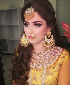 Desi Bride, Desi Wedding, Wedding Wear, Wedding Bride, Pakistani Wedding Outfits, Pakistani Bridal, Indian Bridal, Pakistani Mehndi, Mehndi Outfit