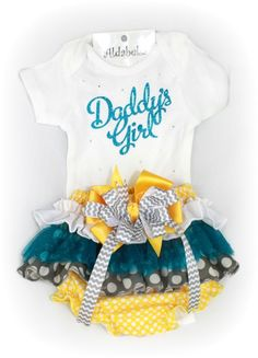 "The perfect gift set for Daddy's Little Girl!Made on a white cotton onesie and embellished with wording ""Daddy's Girl"" in gorgeous turquoise glitter vinyl.The ruffle bloomers are made on a yellow polka dot cotton fabric and three layers with matching tulle, polka dots and removable matching bow for washing. Made on an elastic waist band for extra-comfort.Available Sizes:Newborn0-3 Months3-6 Months6-9 Months12 Months18 Months24 Months"
