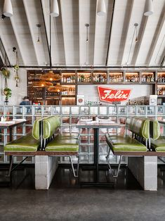 This hip tex-mex style restaurant in Texas showcases reclaimed redwood paneling as interior cladding/paneling at the bar, provided by Anthology Woods. Eclectic Restaurant, Bar Restaurant Design, Industrial Restaurant Design, Burger Restaurant, 80s Interior Design, Design Exterior, Bar Interior, Coffee Cafe Interior, Wood Bar Cabinet
