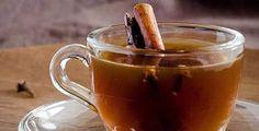 Lemon and Cinnamon Tea. Try this winter warming lemon and cinnamon tea. Perfect for those cold days! (English version below) Detox Drinks, Healthy Drinks, Sudanese Food, Cinnamon Benefits, Cinnamon Tea, Lower Blood Sugar, Cold Remedies, Tea Recipes, Fall Recipes
