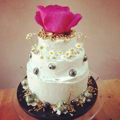 Little tea party tiered cake www.lilyvanilli.com