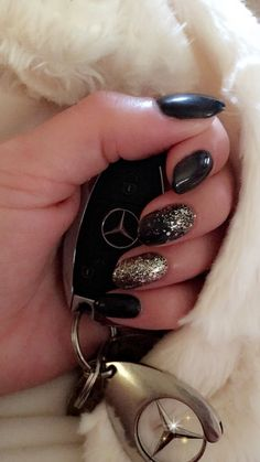 CND Shellac on natural nail. Deadpool and glitter Lecenté Multi Glitz Sand. By @PBDhudklinikk  #cnd #shellac #nails #PBD Shellac Nails, Natural Nails, Deadpool, Glitter, Gemstones, Birthday, Gems, Jewel