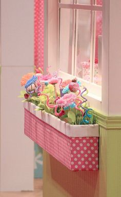"Indoor window box with fake flowers in a little girl's room. Definitely doing this in the kid's ""house"" area of their room! Indoor Window Boxes, Window Sill, Crafts For Kids, Diy Crafts, Summer Crafts, Little Girl Rooms, Kids Boxing, Flower Boxes, Flower Pens"