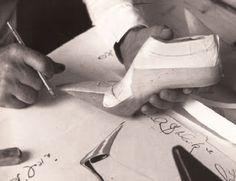 Você faz a Diferença: A saga de um calçado, como encontrar um calçado pa...