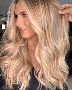 22 Trendiest Blonde Hairstyles And Haircuts Blonde Hair Shades, Blonde Hair Looks, Honey Blonde Hair, Hair Colour Shades, Brown Eyebrows Blonde Hair, Tanned Skin Blonde Hair, Blonde Hair For Cool Skin Tones, Toning Blonde Hair, Blone Hair