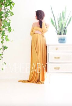 Gorgeous maternity gown. Looking for the right maternity outfit for your maternity photo shoot? This yellow maternity gown is perfect for a summer and fall pregnancy photo session! Find it on Etsy. off shoulder long sleeve Maternity gown photo shoot baby shower maternity dress - babydoll | #ad #maternityclothes