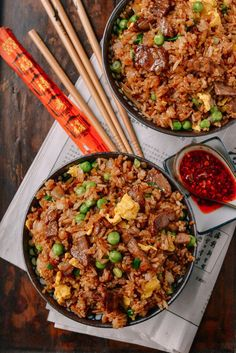 chinese meals Beef fried rice is definitely one of our favorite items on your average Chinese takeout menu. Find out how to make an easy & better beef fried rice at home! Beef Fried Rice, Fried Rice Recipe Chinese, Bbq Pork Fried Rice Recipe, Fried Rice Recipes, Easy Fried Rice, Diced Beef Recipes, Healthy Fried Rice, Fried Steak, Chicken Recipes