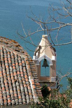 Church Bell in Molyvos, Lesvos Island, Greece. Samos, Corfu, Mykonos, Beautiful Islands, Beautiful Places, Greece Tours, Greek Blue, Greece Islands, Vacation Places