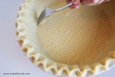 The No-Fail GLUTEN FREE Pie Crust Gluten Free Pie Crust, Pie Crust Recipes, Gluten Free Deserts, Best Gluten Free Recipes, No Fail Pie Crust, Best Pie, Thanksgiving Recipes, Robin, Kitchen Tips