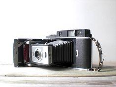 Vintage / Electronics / Camera / Polaroid Land by WhiteDogVintage, $52.00