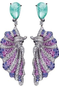 These earrings make me think of The Little Mermaid.