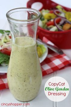 CopyCat Olive Garden Salad Dressing Recipe Salads with white vinegar, vegetable… Olive Garden Dressing, Olive Garden Salad, Salad Dressing Recipes, Salad Recipes, House Dressing Recipe, Olives, Sauces, Cooking Recipes, Healthy Recipes
