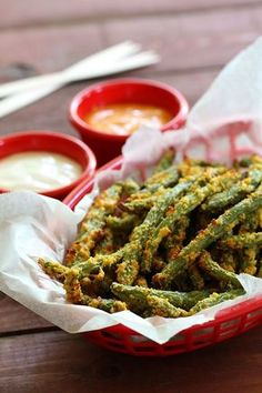 Crunchy Green Bean Fries made with only 5 ingredients! They're quick to make and serve as a perfect low carb dinner side dish. Whether you're on a keto diet or gluten free, you'll love these healthy fries!