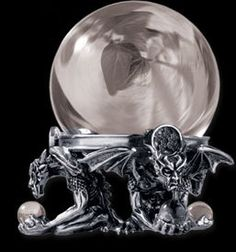 sfere di cristallo con il piedistallo a forma di drago - Cerca con Google
