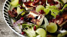 Granaattiomenasalaatti - K-supermarket Good Food, Yummy Food, Halloumi, Something Sweet, Deli, Vegetable Pizza, Cobb Salad, Zucchini, Side Dishes