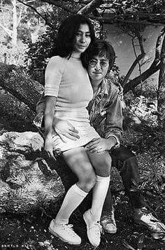 John Lennon and Yoko Ono Les Beatles, John Lennon Beatles, Jon Lennon, Halloween Parejas, John Lennon Yoko Ono, Joko, The Fab Four, Ringo Starr, Jim Morrison