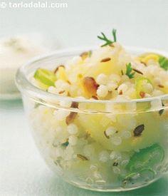 Sabudana Khichadi in Microwave – Sago Recipes Breakfast Snacks, Breakfast Dishes, Sabudana Khichadi Recipe, Sago Recipes, Easy Microwave Recipes, Cooking Recipes, Healthy Recipes, Healthy Food, Sabudana Khichdi