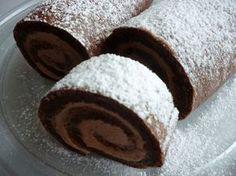 Ledové kaštany nalámeme do šlehačky, rozpustíme a necháme přejít varem. Dáme vychladit do chladničky asi na 1 hodinu. Bílky vyšleháme se... Healthy Cake, Healthy Diet Recipes, Cake Roll Recipes, Dessert Recipes, Sweet Desserts, Sweet Recipes, Czech Recipes, Chocolate Sweets, Cheesecake Brownies