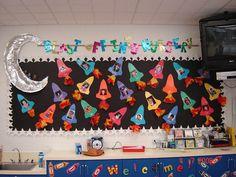 Rocket craft idea for kids Rocket Bulletin Boards, Space Bulletin Boards, Christmas Bulletin Boards, Birthday Bulletin Boards, Preschool Bulletin Boards, Birthday Board, Space Theme Classroom, Classroom Decor Themes, Classroom Door