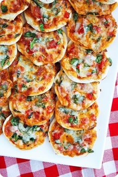 Amazing Pinterest world: Thin crust pizza bites
