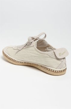 Espadrilles Men, Espadrille Sneakers, Tiger Shoes, Onitsuka Tiger Mexico 66, Old Shoes, Shoe Company, Sneaker Boots, Leather Sneakers, Designer Shoes