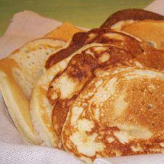 Pancakes 140 gr de farine 1 cc de levure chimique 2 oeufs 1 pot de compote  1 yaourt ou 1 fromage blanc  1 cs de fructose