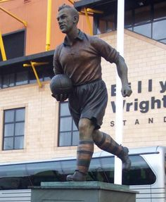 Billy Wright Statue - Molleneux (not worcestershire, but West Midlands and my team) First Football, School Football, American Football, Wolverhampton Wanderers Fc, Image Foot, Some People Say, Real People, Association Football, International Football