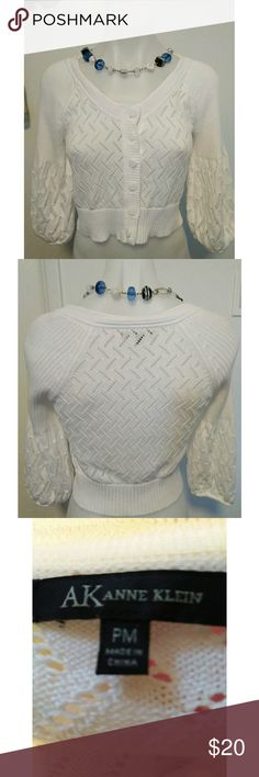 Pretty White Anne Klein Cropped Sweater Top Sz PM A nice look for summer and into fall.  3/4 length sleeves. Anne Klein Tops Crop Tops